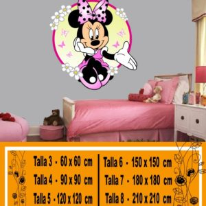 Minnie Mouse disney sentada con flores a color
